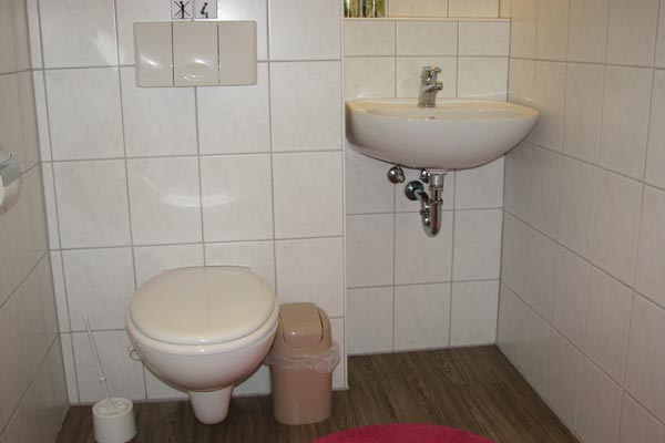 Ferienwohnung Zirkelstein Rosengasse - Bad mit WC