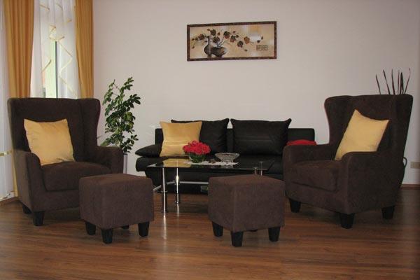 Ferienwohnung Zirkelstein Rosengasse - Wohnbereich mit Sofa
